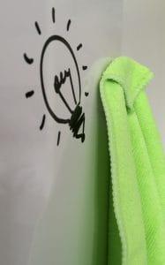 Mikrofasertuch zur Whiteboard-Reinigung mit Magnet