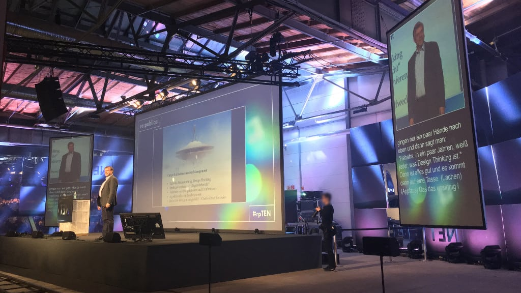 re:publica 10 - #rpten - Beispiel-Bühnenbild - Vortrag Gunter Dueck - Cargo-Kulte