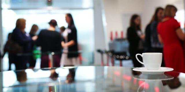 Rüstzeit in Online-Meetings – technisch und sozial
